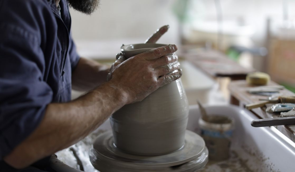 Duncan Ayscough masterclass. Photo Layton Thompson for Ceramic Review